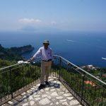 碧の地中海に浮くカプリ島の絶景を独り占め